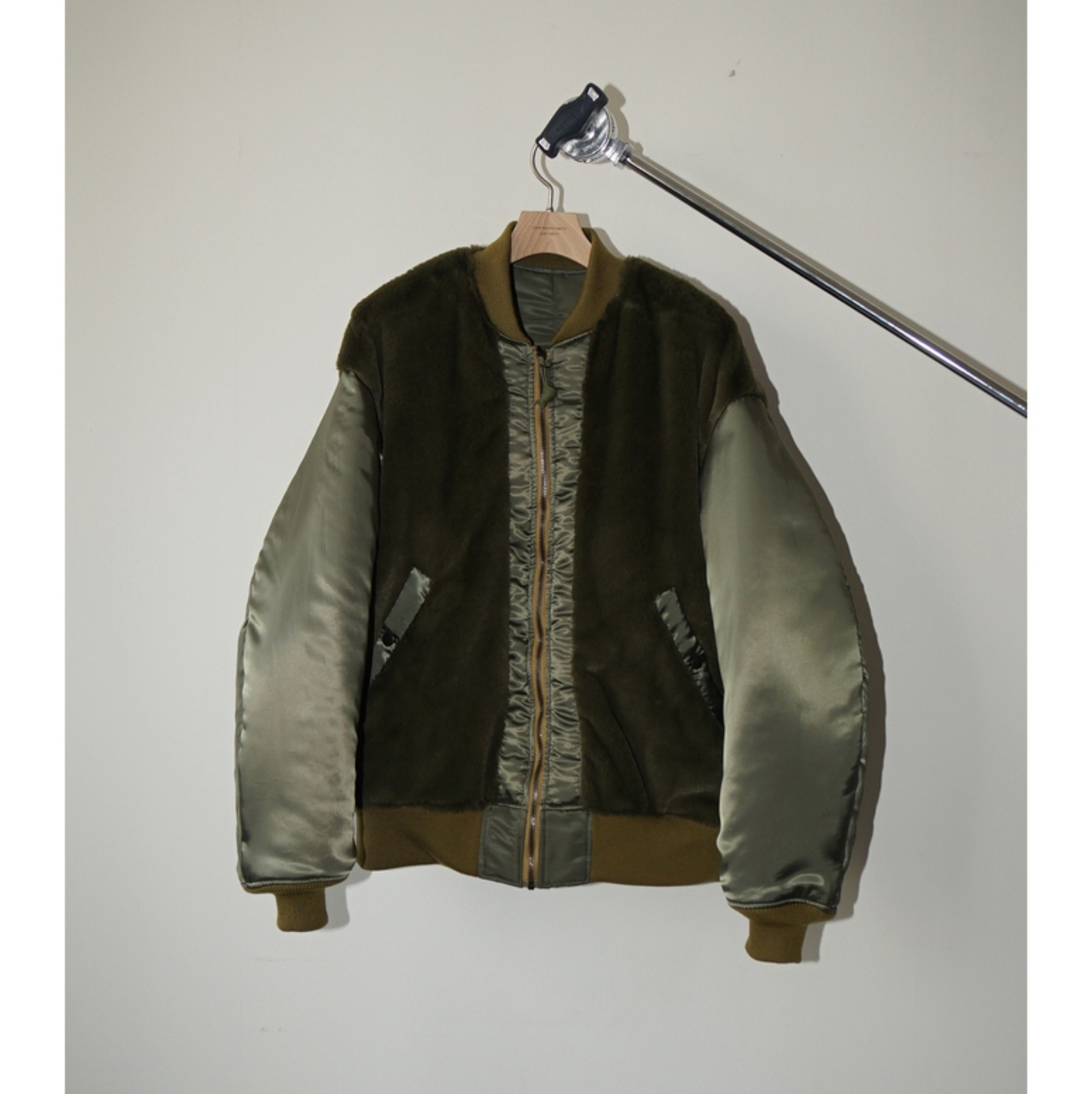 AW20 JOHN MASON SMITH REVERSIBLE FLIGHT JACKET MA-1 KHAKI