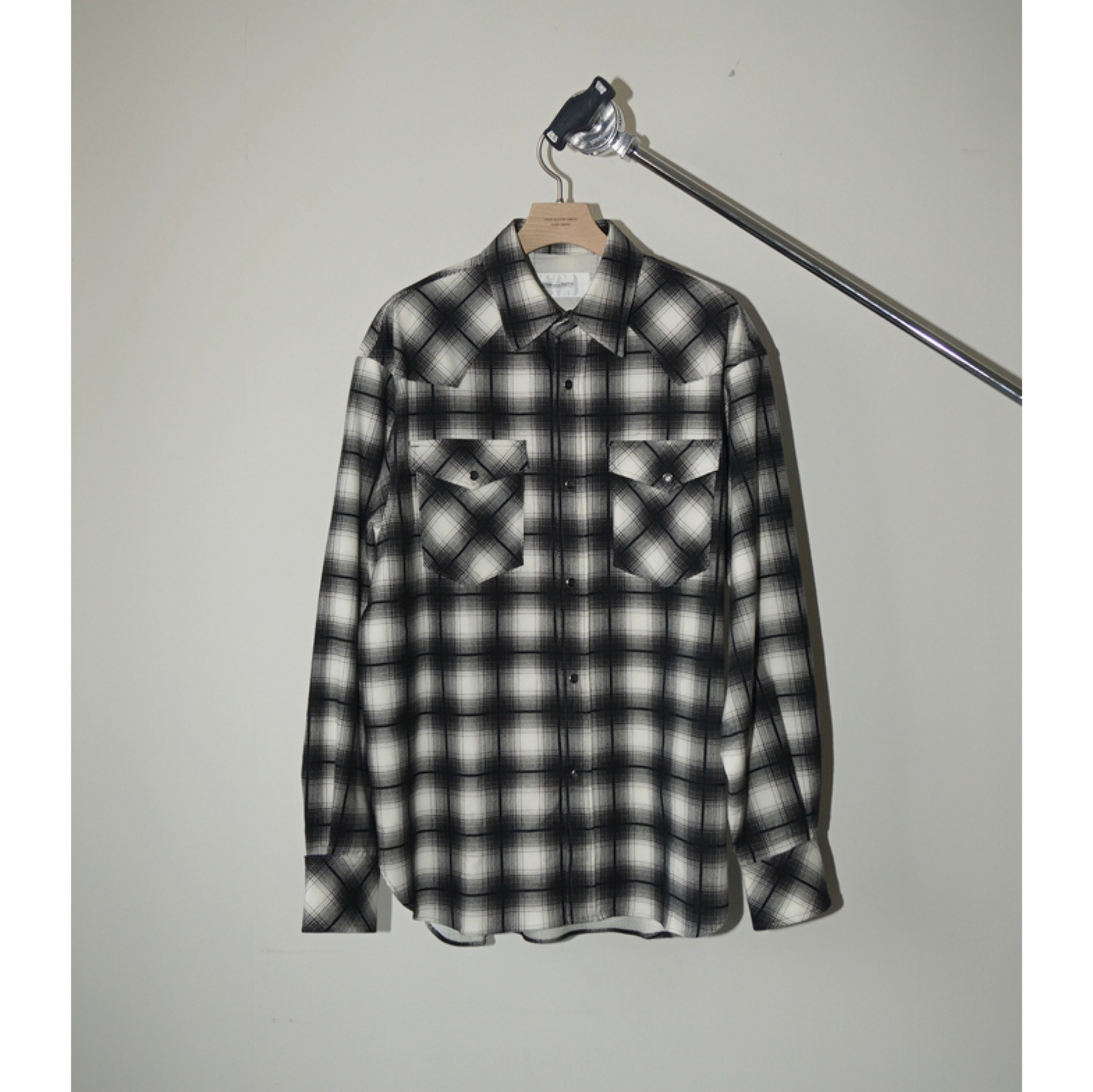 AW20 JOHN MASON SMITH WESTERN SHIRT BLACK CHECK
